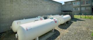 Kde není k dispozici zemní plyn, je řešením kapalný propan (LPG)